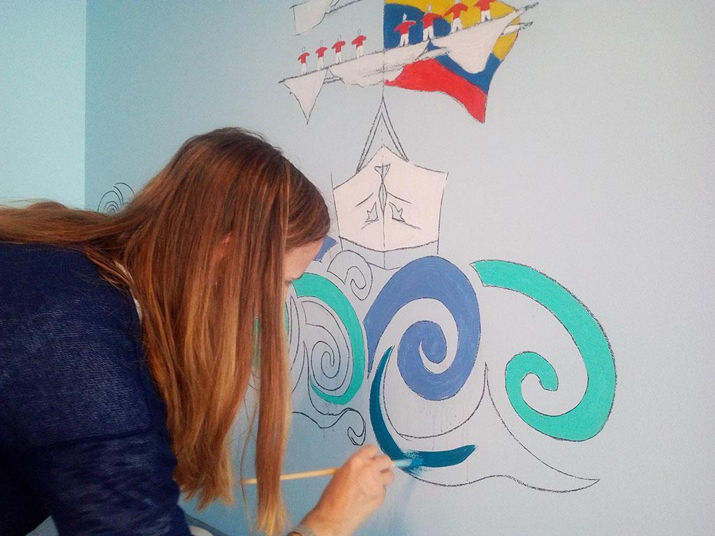 Barbot dá cor a mural da pediatria do Hospital São João